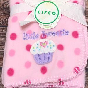 NWT circa Baby Girl Blanket Pink Cupcake